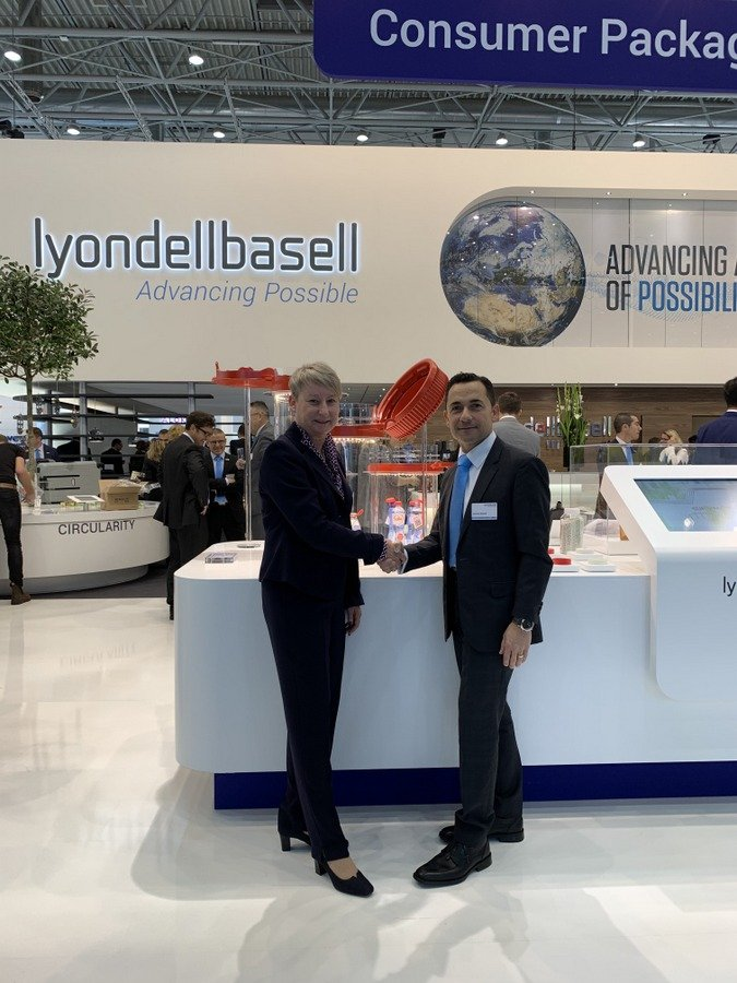 United Caps and LyondellBasell at K 2019
