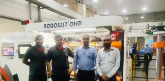 The Constantia Parikh Packaging production and maintenance team during the installation of the SP Ultraflex Roboslit OHP slitter rewinder.