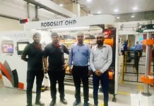 Constantia Parikh Packaging Production and Maintenance team during installation of the Roboslit OHP